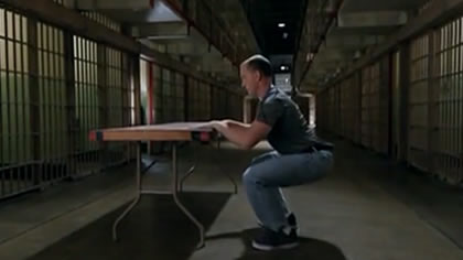 囚徒健身:10.深蹲 第三式 支撐深蹲