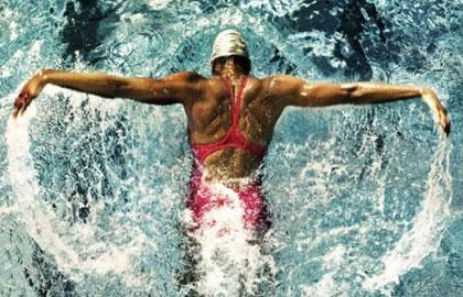 夏天游泳燃脂计划 轰炸你的肌肉