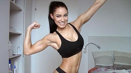 【健身美女】健身女神Stephanie Davis形体展示