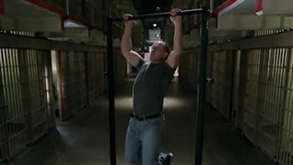 囚徒健身:19.引体向上 第五式 标准引体向上