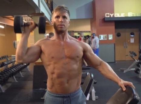 一个动作可以覆盖到肩部的前束、中束和后束,还不快试试