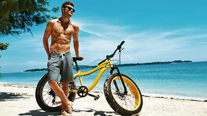 健身先給自己定個小目標,至少得比這輛小黃車壯!