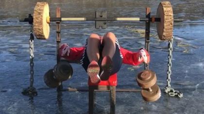 健身器械自己造:废铜烂铁加冰块,冬季健身燥起来!