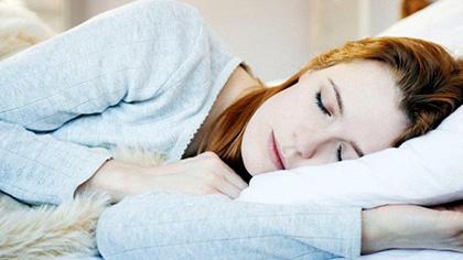 4個動作放松全身幫助睡眠!不用再翻來覆去失眠了