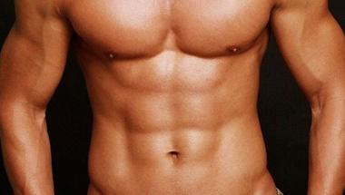 9个不同强度的俯卧撑 训练胸肌和腹肌