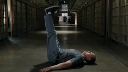 囚徒健身:20.舉腿 第五式 平臥直舉腿