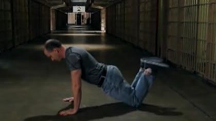 囚徒健身:09.俯卧撑 第三式 膝盖俯卧撑