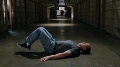 囚徒健身:08.举腿 第二式 平卧抬膝