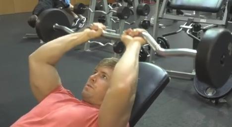 肱三头肌怎么练—仰卧杠铃臂屈伸教学
