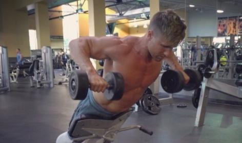 练背日中下背部怎么练,这个动作很有效!