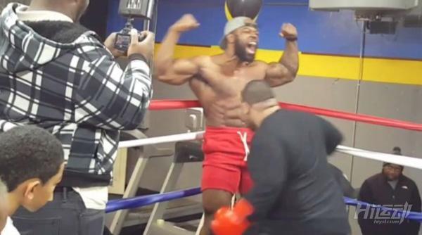腹肌最硬的男人!他的腹肌训练计划,一般人做不了! - 图片2