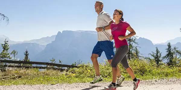 跑步伤膝盖?研究表明:久坐不动比业余跑步关节炎几率高3倍 - 图片4