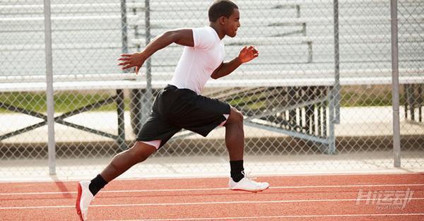 5个动作10分钟tabata训练!适合跑步前的热身训练 - 图片1