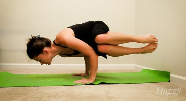 每天一式学瑜伽:乌鸦式!加强腹部肌群力量 - 图片5