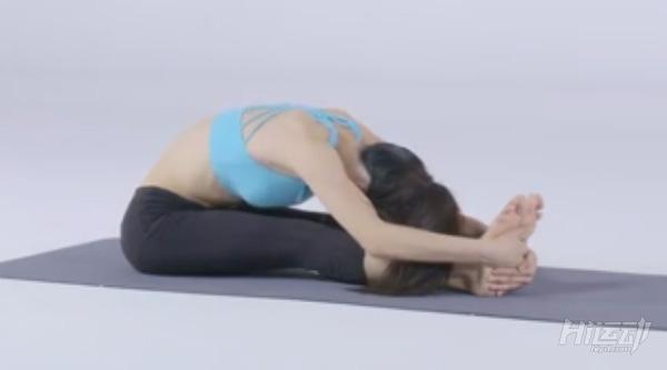 10个动作睡前瑜伽!舒经活血驱除每天疲劳 - 图片6