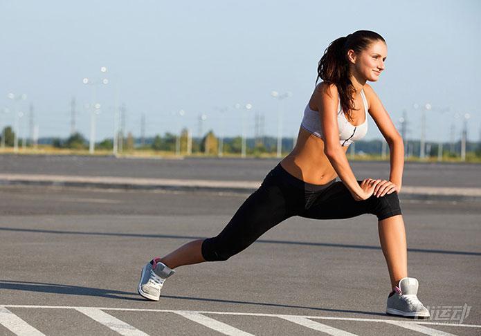 8个动态拉伸动作 增肌减肥都可以做