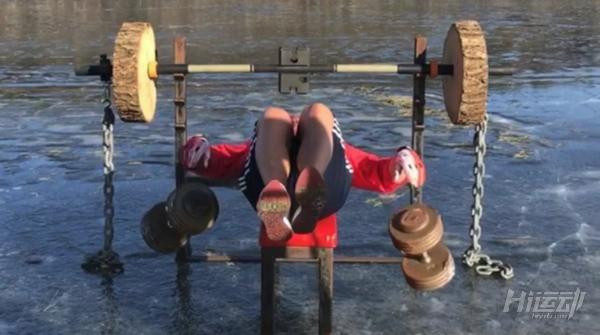 健身器械自己造:废铜烂铁加冰块,冬季健身燥起来! - 图片1