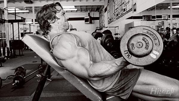 适应了训练手臂不再增长?4个动作拯救你的手臂 - 图片1