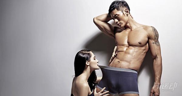 腹肌是男人行走的荷尔蒙!5个动作教你轰炸腹肌 - 图片2