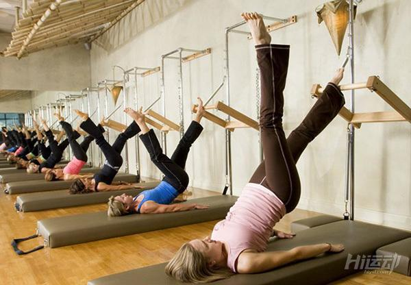 3个动作让你远离腰酸背痛困扰 拉伸塑形普拉提 - 图片1