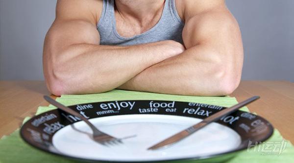 空腹跑步越跑越胖!空腹跑步直接消耗肌肉