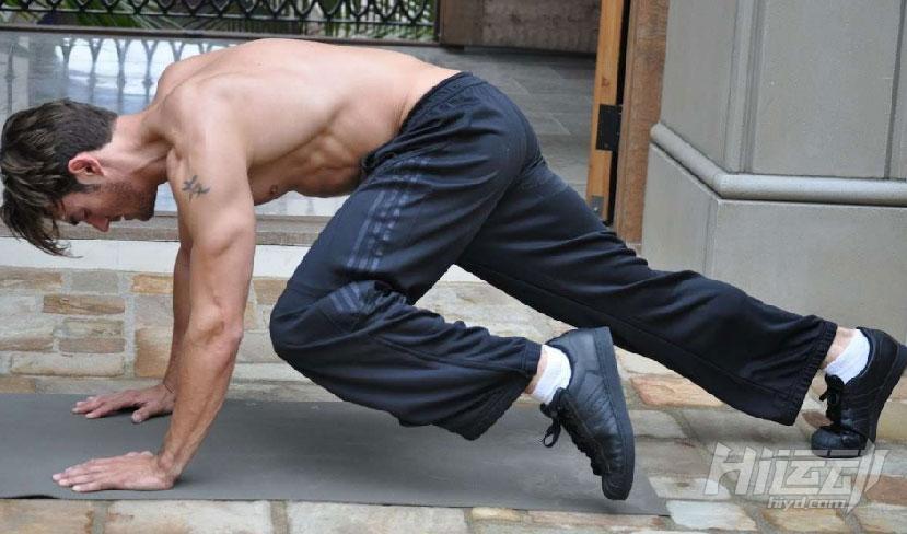 练腹肌的三个步骤 胖子也能变成型男 - 图片2
