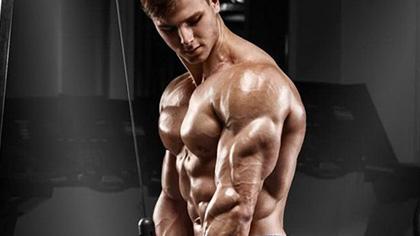 8个动作全方位练肩!肩部训练要用小重量!