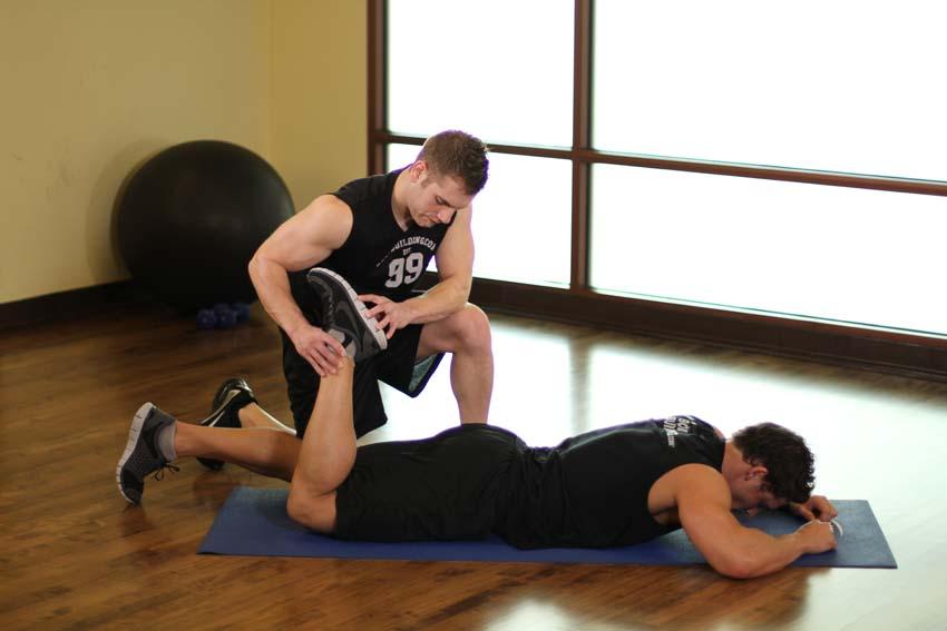 俯卧股四头肌训练