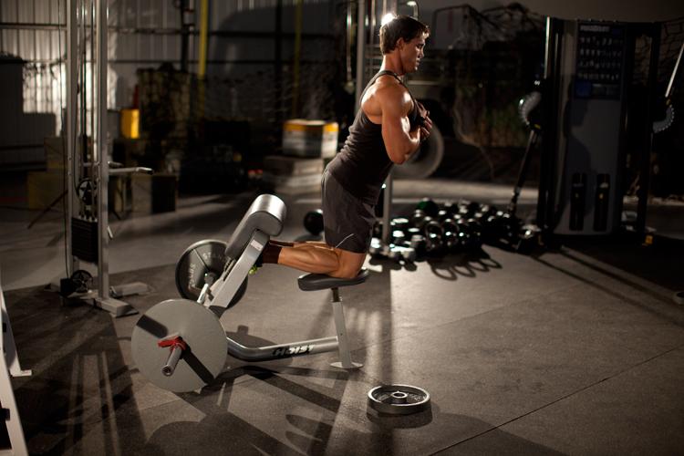 自然臀大肌腘绳肌提拉训练