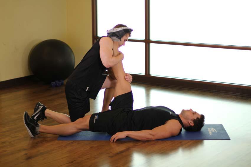 仰卧腘绳肌练习