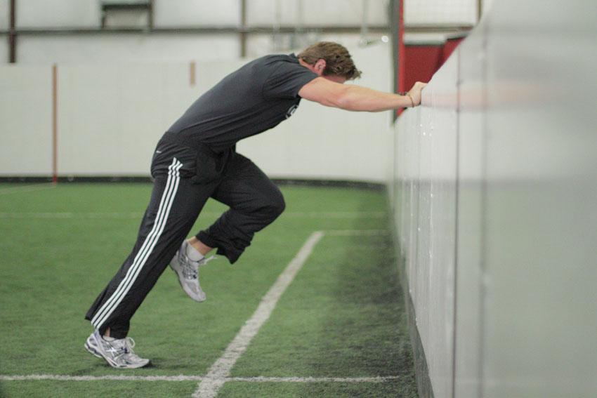 撑墙加速跑